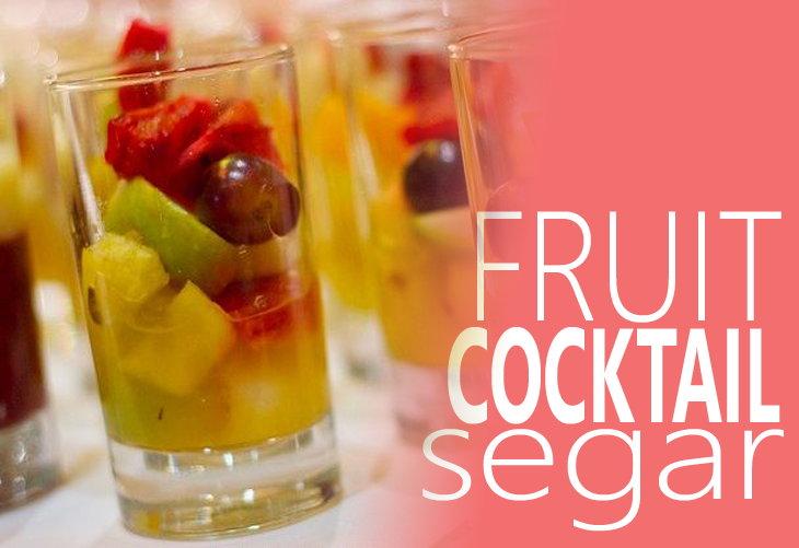 Membuat Fruit Cocktail Segar Untuk Berbuka Puasa
