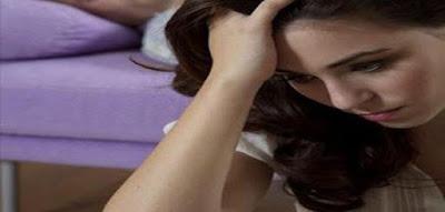 كيف انسى حبيبي  امرأة بنت فتاة حزينة تفكر تضع يدها على راسها sad woman girl thinking put her hand on her head