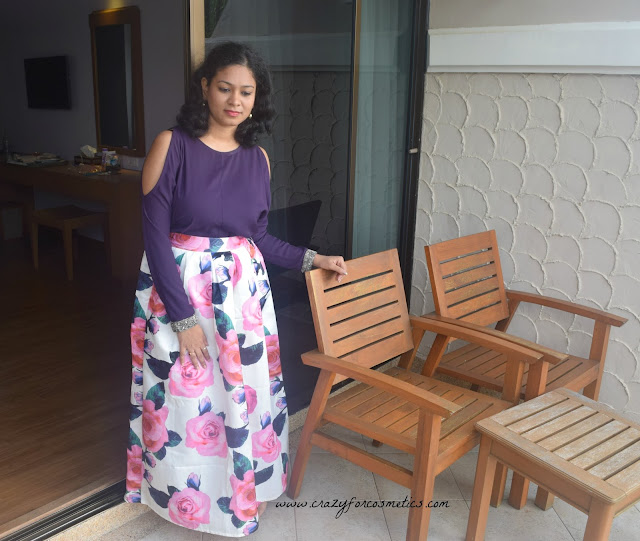 how to style a floral printed skirt