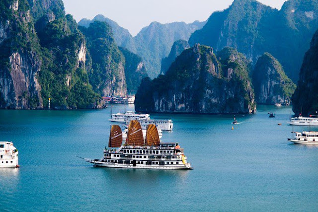 8 World Heritage Sites attract tourists in Vietnam