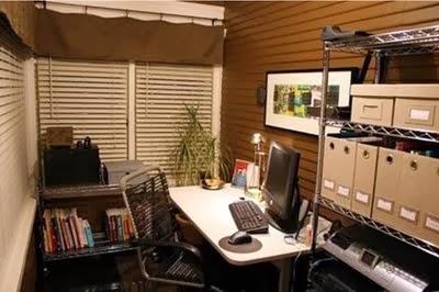 decoración oficina marrón