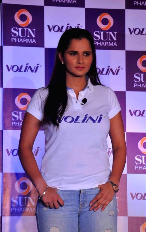 Indian Tennis Player Sania Mirza Photos In White T Shirt -1886