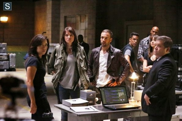 Agents of S.H.I.E.L.D. 2x01 - Shadows