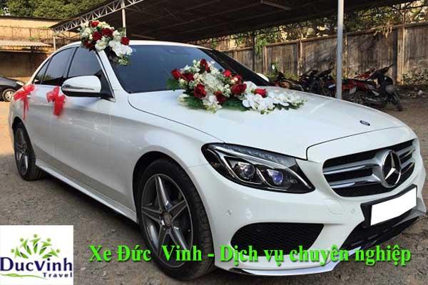 Cho thuê xe cưới Mercedes C250 màu trắng