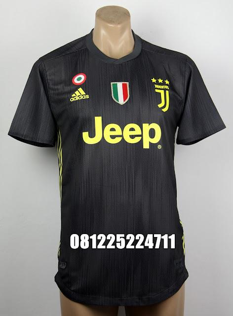 281fff9ff Jual Online Jersey Kaos Baju Bola Grade Ori 2017 2018 Jaket Sweater ...