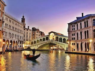 "<img src =""Venicel.png"" alt=""Explore Venice"">"