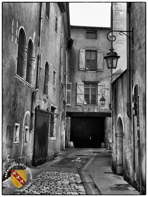 NANCY (54) - La ville en noir et blanc !