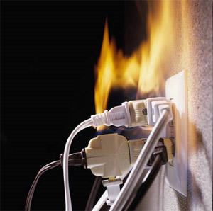 مخاطر الكهرباء علي الإنسانpdf