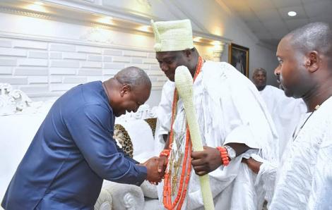 Ooni Hosts Former President Mahama Of Ghana In Ife Palace