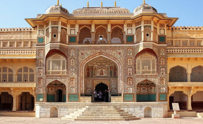 www.xvlor.com Amber Fort is Amer Palace built by King Man Singh I in 1592