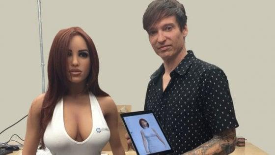 Buongiornolink - Fare sesso con i robot? Solana la bambola robot che cambia volto e personalità