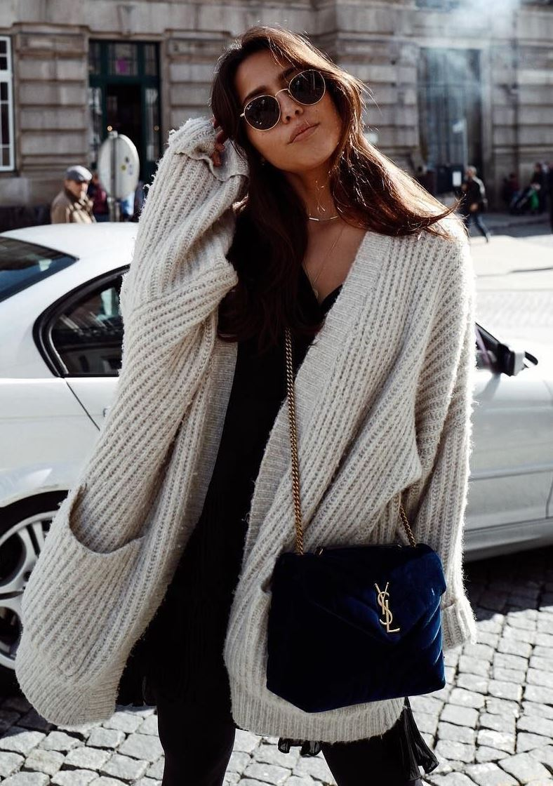 winter casual outfit / knit cardigan + velvet bag + sweater + jeans