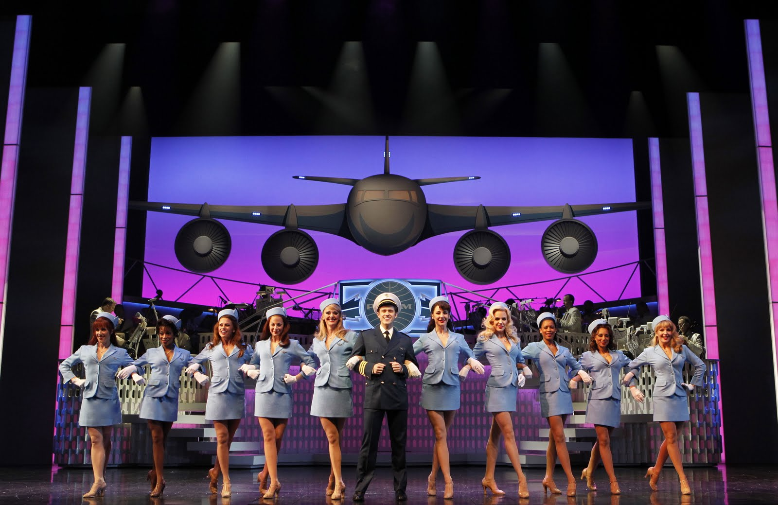 Reflections in the Light: Theater Review: Catch Me if You Can Leo That 70s Show Man