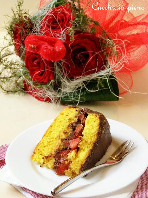 Delicioso bolo de morango e chocolate