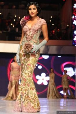 Inspirasi Model Kebaya Yang Sedang Hits di 2018-2019