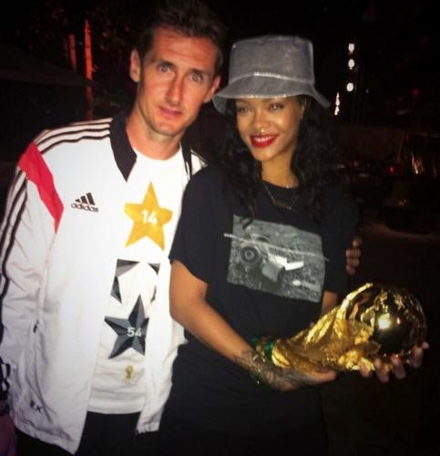 miroslav klose and rihanna with the trophy wm
