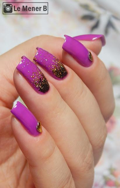 nail art com esmalte roxo