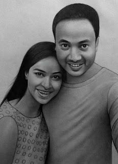 romantic-couple-portrait-while-taking-selfie