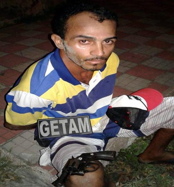 Homem é preso por porte ilegal de arma de fogo no Médici em Aracaju