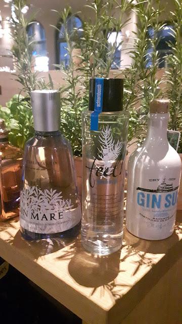 große Gin Auswahl an der Hotelbar in München