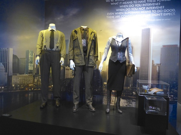 Batman v Superman Dawn of Justice Daily Planet costumes