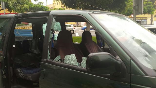 Mujer rompe coche de un hombre con una pata de cabra y le agrede , Tamaraceite