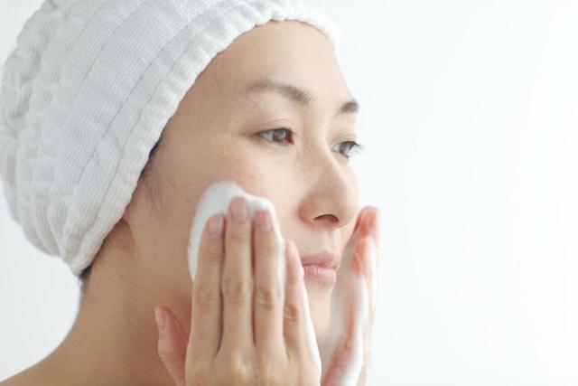 Tips Memilih Sabun Muka Penghilang Jerawat Yang Bagus dan Baik