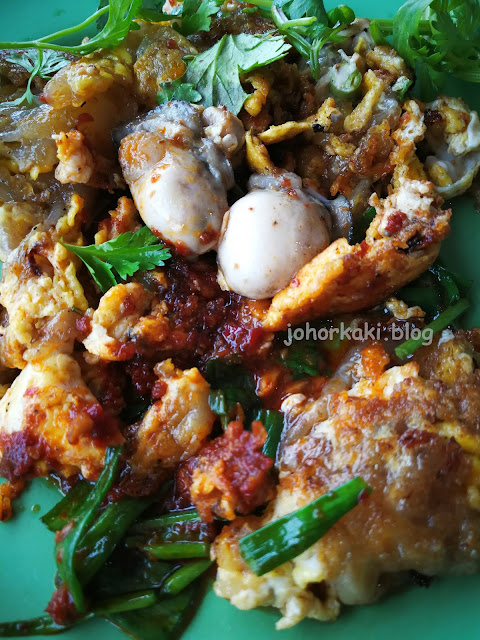 Ah-Chuan-Toa-Payoh-Fried-Oyster-Omelette-Orh-Chien-阿泉蠔煎