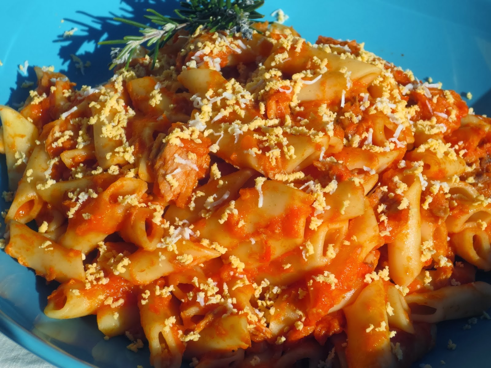 Macarrones con tomate y atún en olla GM