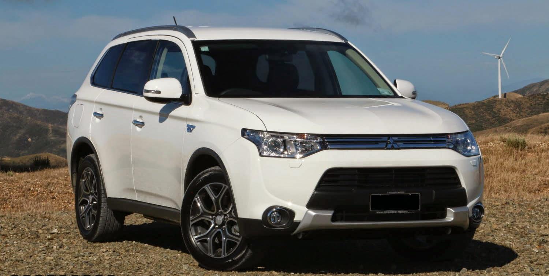 Mitsubishi Outlander PHEV Plugin hybrid Test Drive [VIDEO