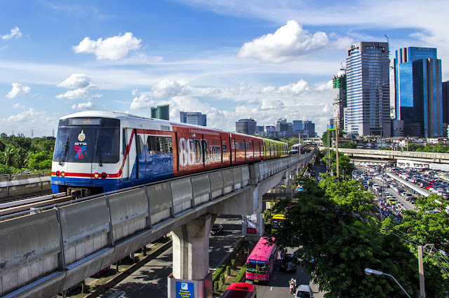 bangkok bts,skytrain bangkok,bangkok skytrain,bts skytrain bangkok,travel bangkok,how to use the bts skytrain in bangkok