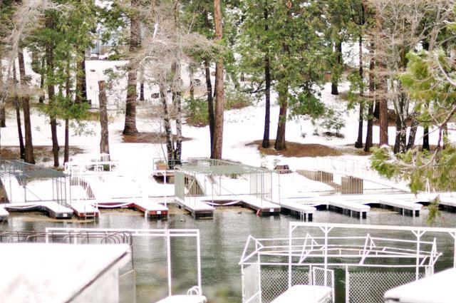 empty docs at the lake