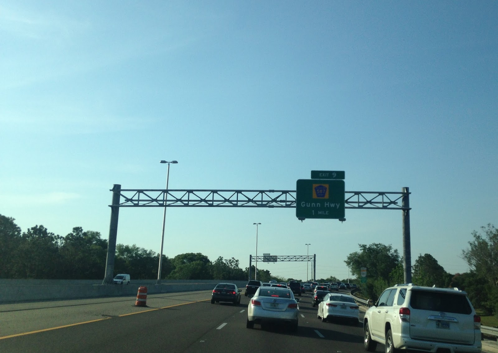 a little call back to how awful the veterans expressway really used to be it felt weird to see electronic tolling in places of a toll plaza
