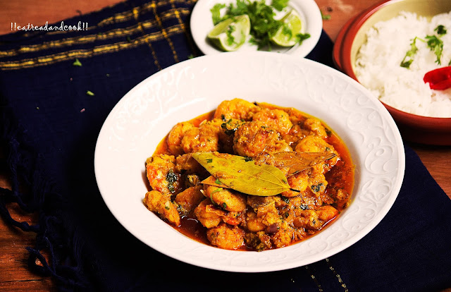 how to cook Doi Chingri / Prawns cooked in a Creamy Yogurt Sauce bengali recipe and preparation with step by step pictures