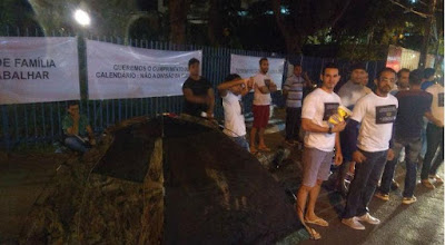 Aprovados em concurso para Guarda Municipal protestam no Recife (PE)