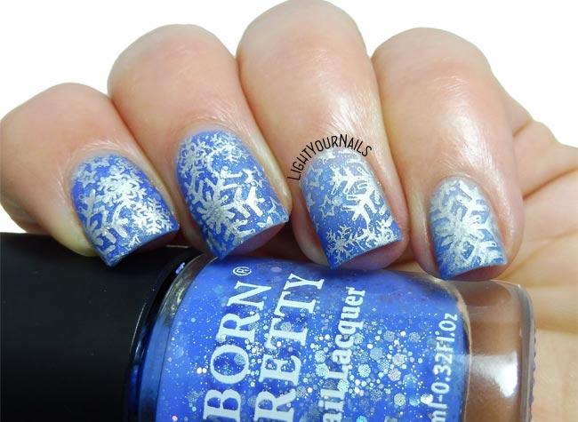 Snowflakes stamping nail art