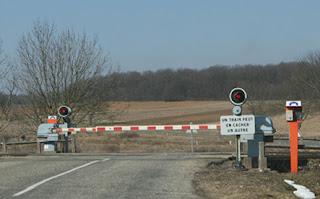 ممر السكة الحديدية بحواجز