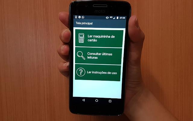 Aplicativo de celular ajuda deficiente visual a conferir valor pago com cartão