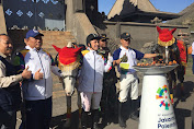 Artis Kondang Irfan Hakim Bawa Api Obor Asian Games 2018 di Bromo