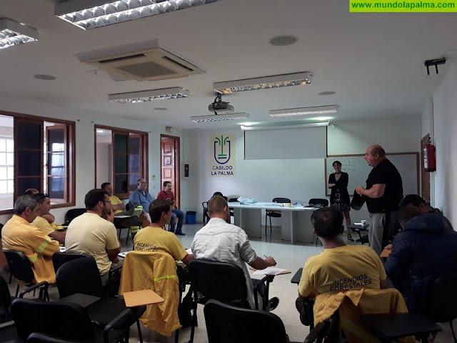Medio Ambiente forma a su personal en materia de seguridad en la lucha contra incendios forestales
