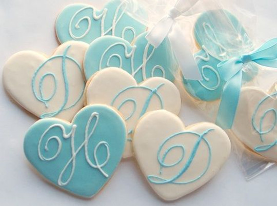 diy Monogrammed heart shaped cookies wedding favors