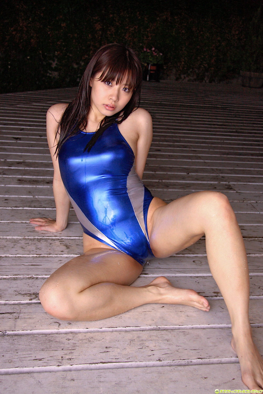 Mikuru Uchino Japanese Sexy Idol Sexy Blue Leather