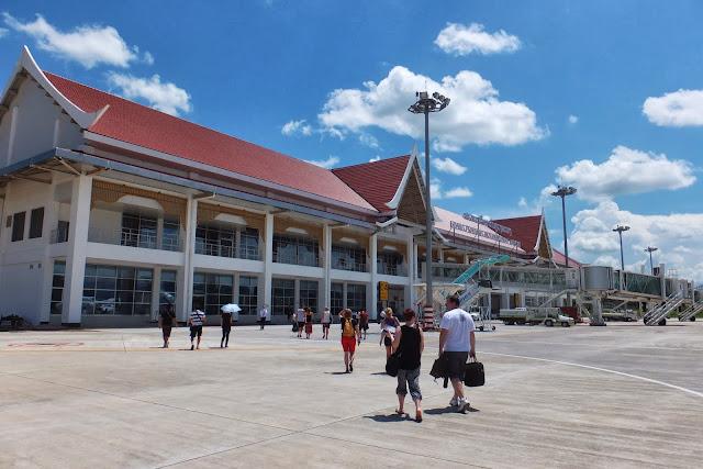 LuangPrabang-Airport ルアンパバーン空港2
