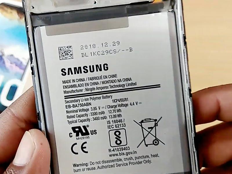 Tanya Jawab Samsung Galaxy S10 - Fast Wireless Charging, NFC
