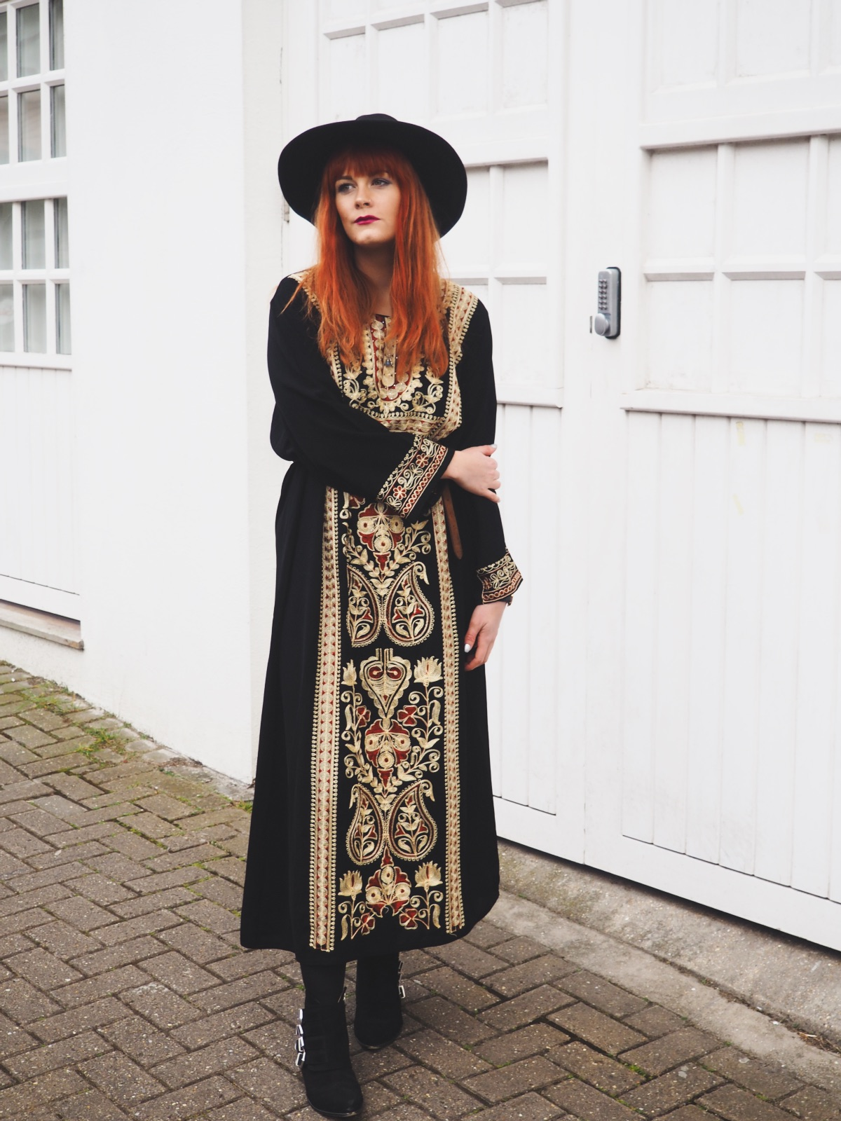 70s Embroidered Maxi Vintage Kaftan & Fedora Bohemian Outfit