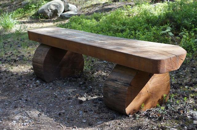 Banco minimalista de madera