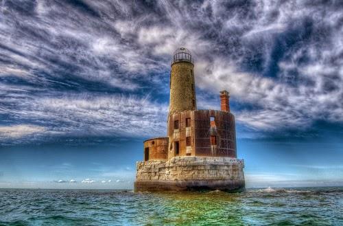 Beautiful Lighthouses around the World-Waugoshance Lighthouse, Michigan