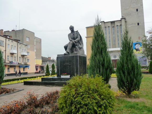 Сокаль. Пам'ятник Т. Г. Шевченку
