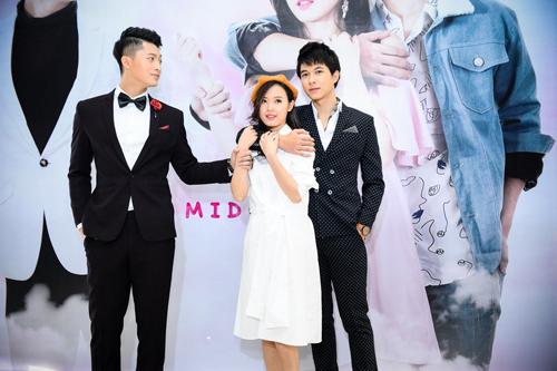 """""""4 năm, 2 chàng, một tình yêu"""" - Phim điện ảnh đầu tay của nữ đạo diễn trẻ  Luk Vân."""