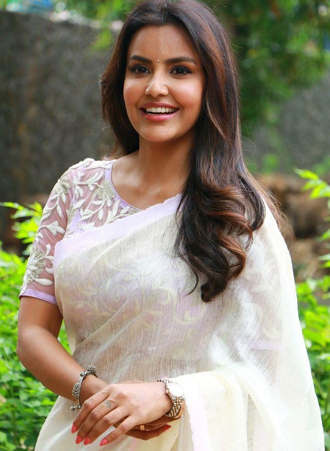 Priya Anand In White Saree From Tamil Movie Kootathil Oruthan